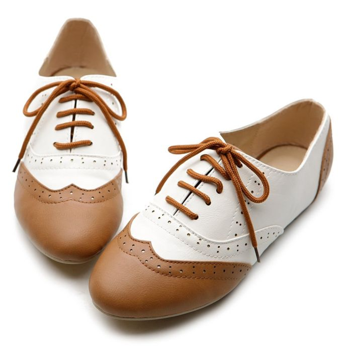 Low Heeled Oxford Shoes