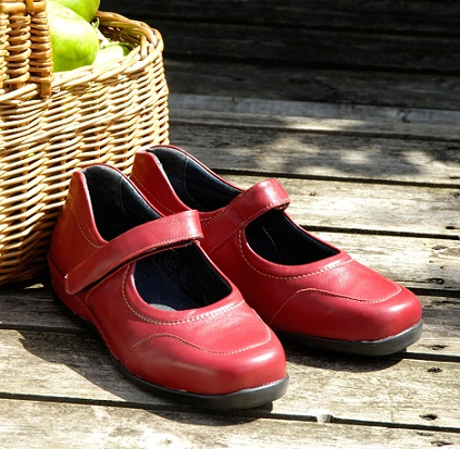 Valuable Information About Extra Wide Shoes | Propet Shoes